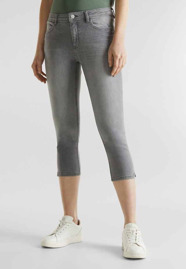 CAPRI-JEANS MIT WRINKLE-EFFEKTEN - Jeans Skinny Fit - grey light washed