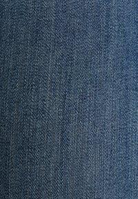 Esprit - KNÖCHELLANGE JEANS MIT OFFENEN SÄUMEN - Jeans Skinny Fit - blue dark washed - 7