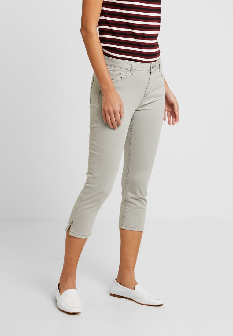 Esprit - CAPRI SLIM - Shorts - light grey