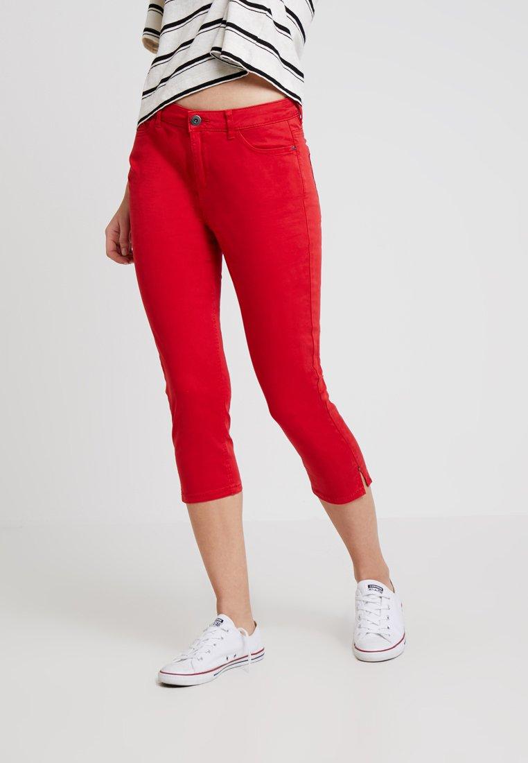 Esprit - CAPRI SLIM - Shorts - red