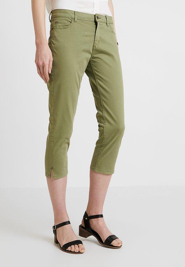CAPRI SLIM - Shorts - light khaki