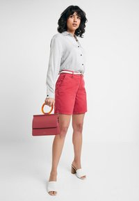 Esprit - Shorts - pink fuchsia - 1