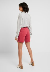 Esprit - Shorts - pink fuchsia - 2
