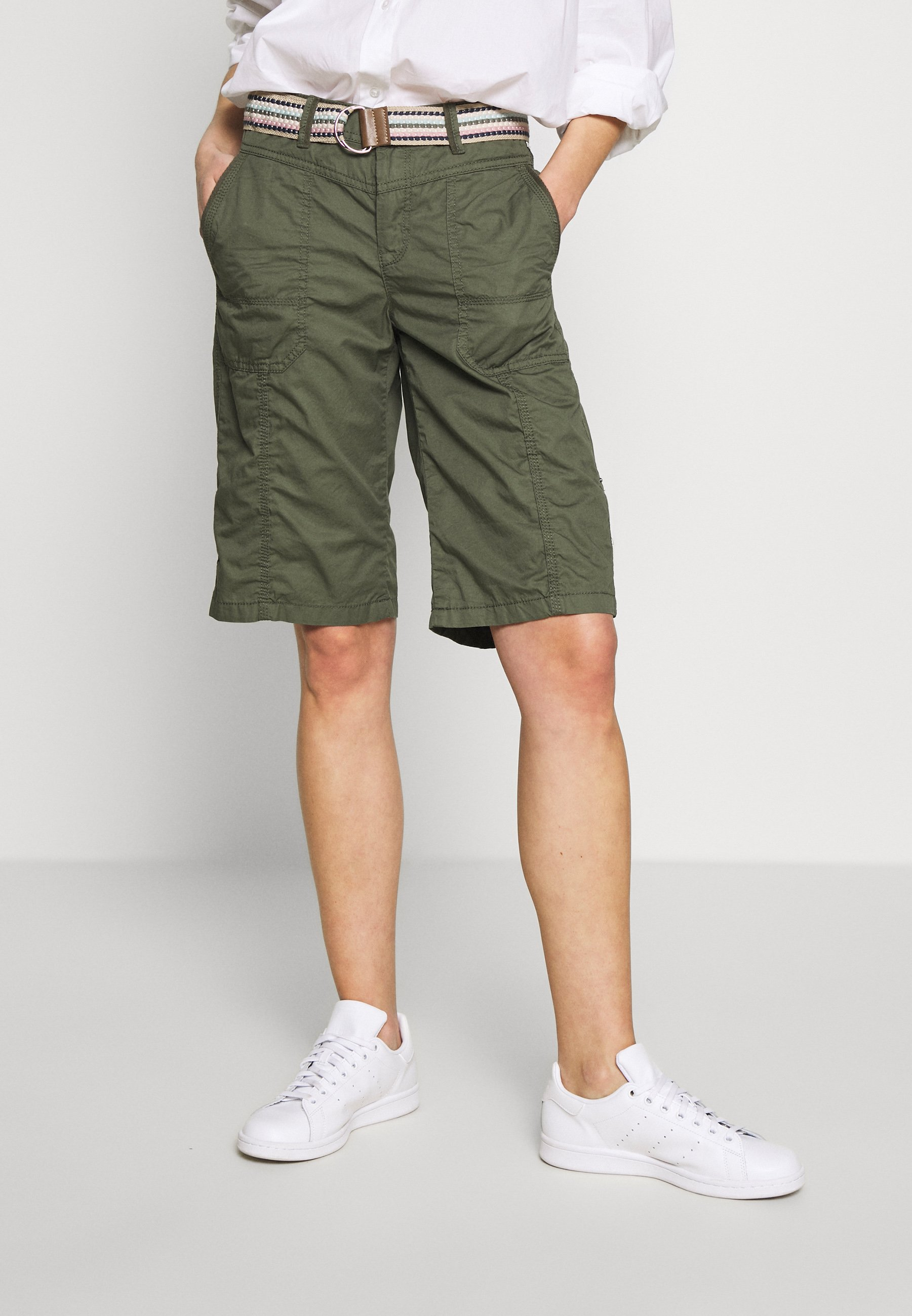 Esprit F PLAY BERMUDA - Szorty - khaki green