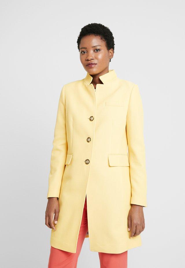 PIQUET - Krótki płaszcz - yellow