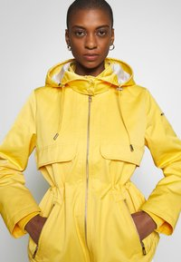 Esprit - SMART - Parka - yellow