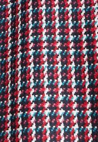Esprit - MIT BUNTEM HAHNENTRITT-MUSTER - Manteau court - red colorway - 7