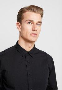 Esprit - SOLIST SLIM FIT - Overhemd - black - 3