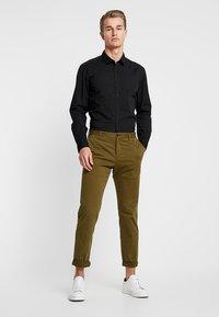 Esprit - SOLIST SLIM FIT - Overhemd - black - 1