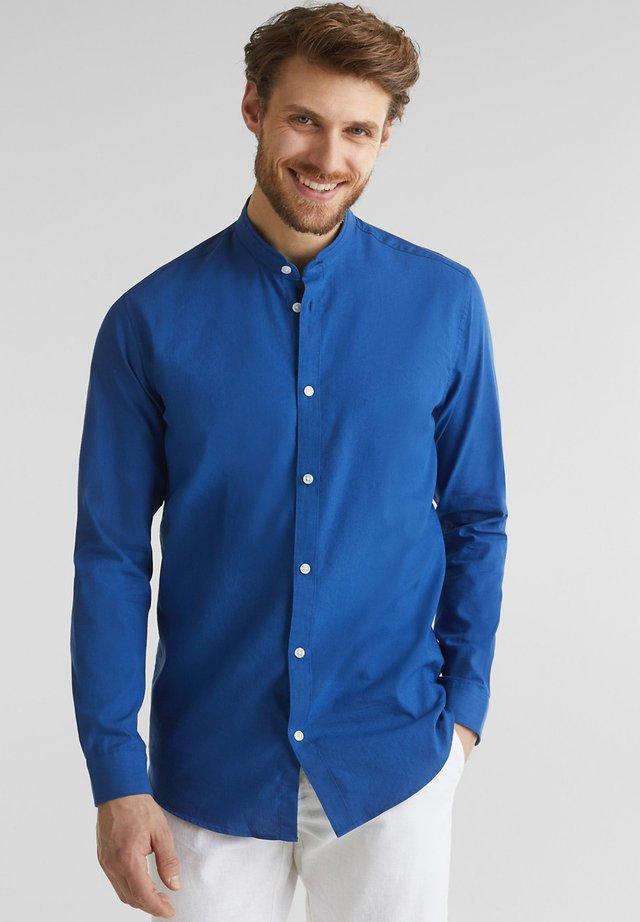 MIT STEHKRAGEN - Overhemd - ink