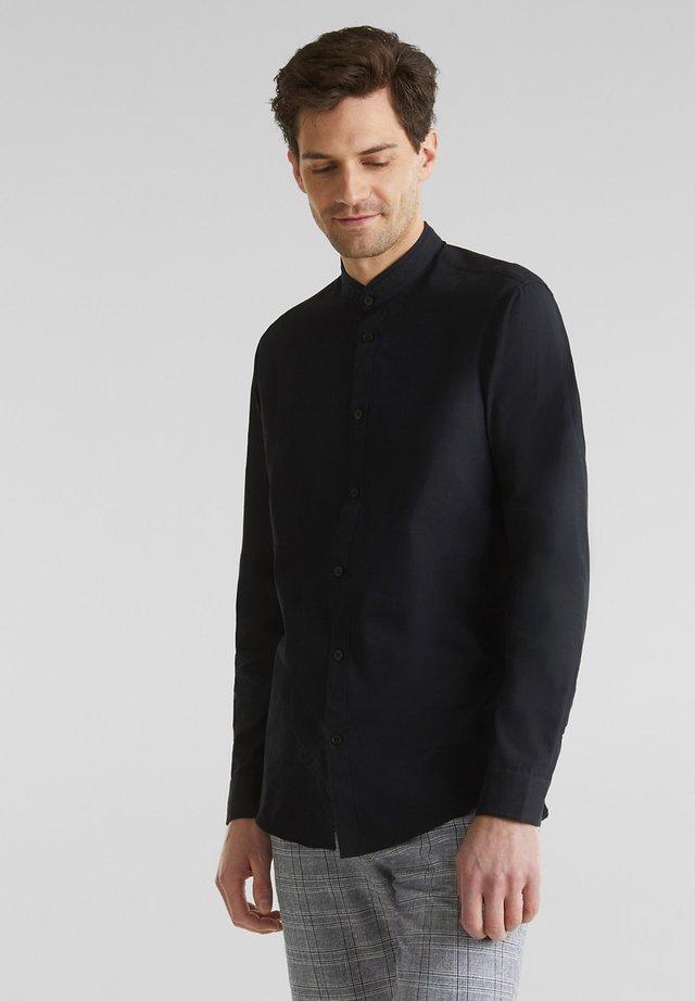 MIT STEHKRAGEN - Overhemd - black