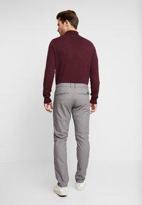 Esprit - CHECK - Spodnie materiałowe - grey - 2