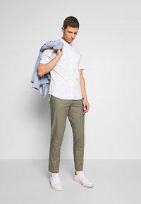 Esprit - Pantaloni - dusty green - 1