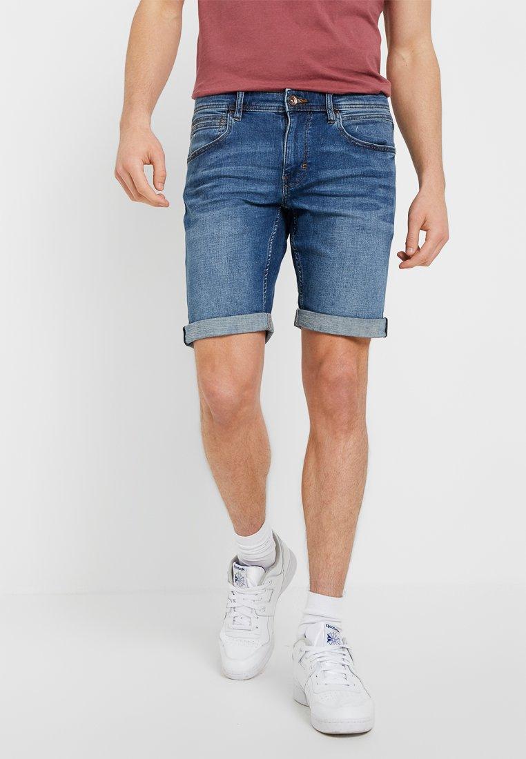Esprit - DYNAMIC - Jeans Shorts - blue medium wash