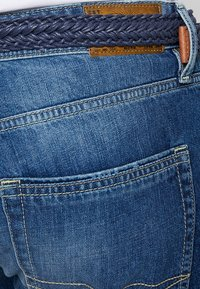 Esprit - Jeansshorts - blue medium wash - 5