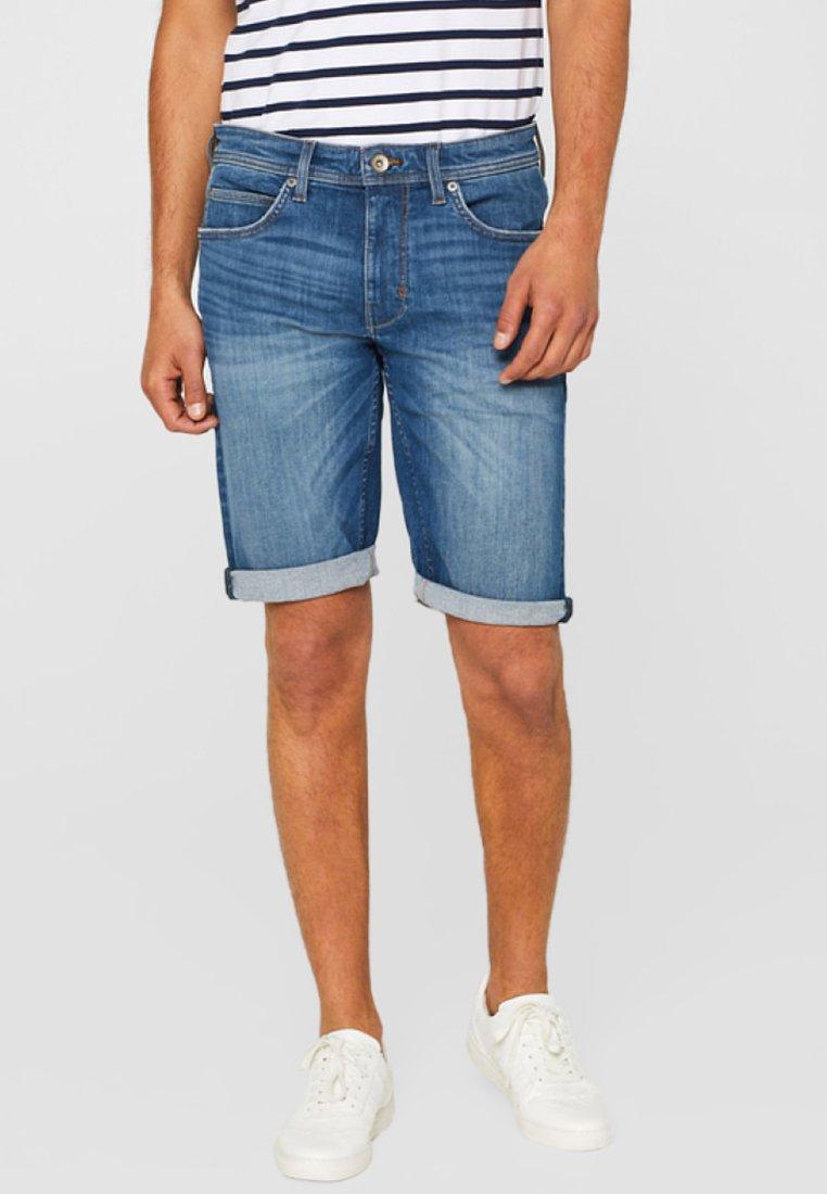 Esprit - MIT SUPERSTRETCH-KOMFORT - Jeans Shorts - blue medium washed
