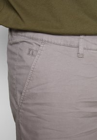 Esprit - BIG - Shorts - grey - 3