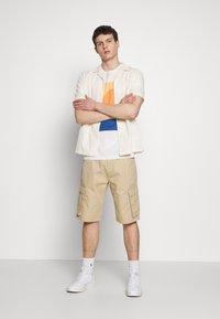 Esprit - Shorts - beige - 1