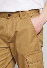Esprit - Shorts - camel - 3