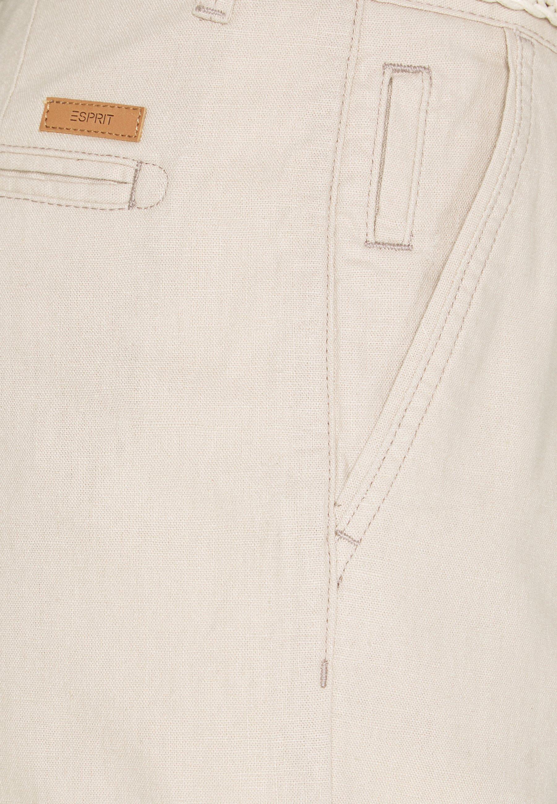 Esprit Basic - Shorts Light Beige
