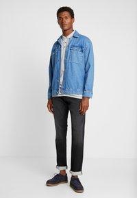 Esprit - Jeans slim fit - black medium wash - 1