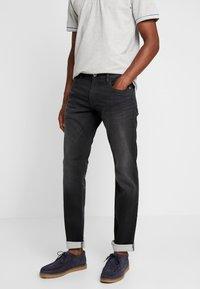 Esprit - Jeans slim fit - black medium wash - 0