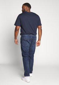 Esprit - BIG - Jeansy Straight Leg - blue medium wash - 2