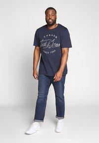 Esprit - BIG - Jeansy Straight Leg - blue medium wash - 1
