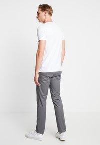 Esprit - Jednoduché triko - white - 2