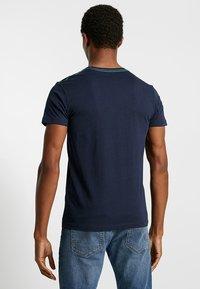 Esprit - T-shirt med print - navy - 2