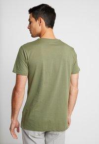 Esprit - 2 PACK - Camiseta básica - khaki green - 2