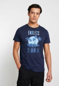 Esprit - FUN - T-shirt con stampa - navy - 0