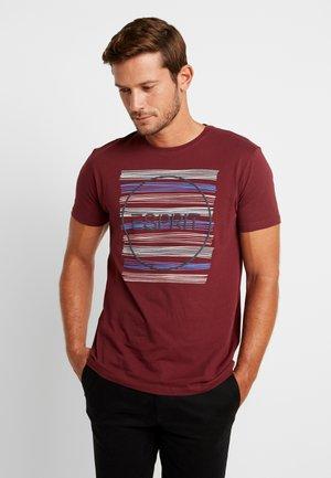 MODERN - T-shirt z nadrukiem - bordeaux red