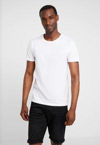 Esprit - ICON 2 PACK - T-shirts print - white - 1
