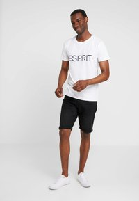 Esprit - ICON 2 PACK - T-shirts print - white - 0