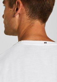 Esprit - MIT BRUSTTASCHE - T-shirt basic - white - 3