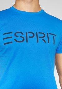 Esprit - LOGO - Triko spotiskem - bright blue - 5