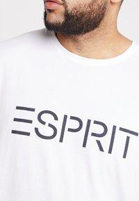 Esprit - LOGO - Printtipaita - white - 5