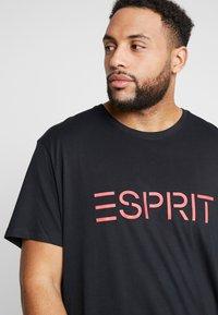 Esprit - LOGO - Printtipaita - black - 3
