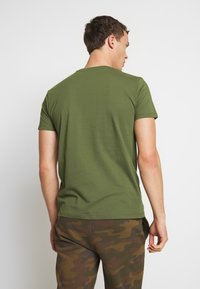 Esprit - Basic T-shirt - khaki green - 2
