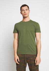 Esprit - Basic T-shirt - khaki green - 0
