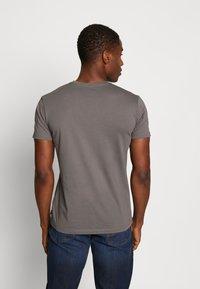 Esprit - Basic T-shirt - dark grey - 2