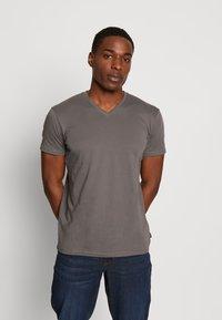 Esprit - Basic T-shirt - dark grey - 0