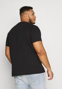 Esprit - LOG 2 PACK - Printtipaita - black/white - 2