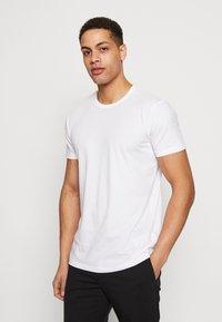 Esprit - 2 PACK - Basic T-shirt - white - 1