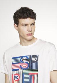 Esprit - Camiseta estampada - off white - 4