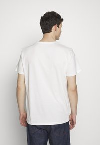 Esprit - Camiseta estampada - off white - 2