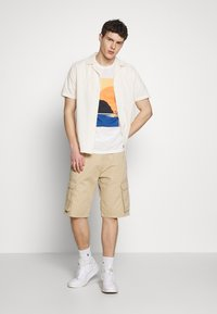 Esprit - Print T-shirt - off white