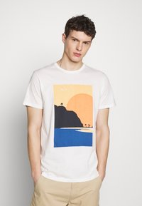 Esprit - Print T-shirt - off white - 0