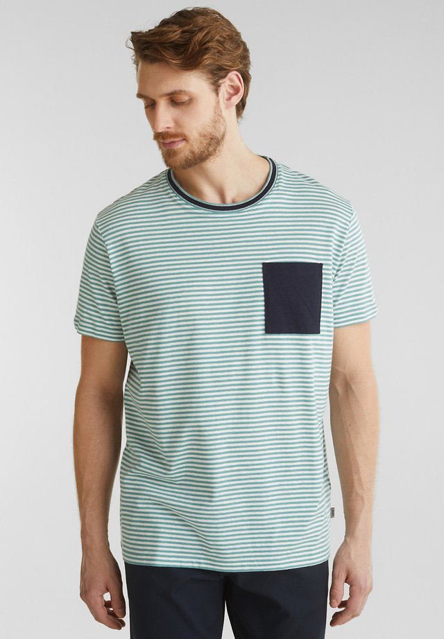 MIT BRUSTTASCHE - T-shirt print - teal green